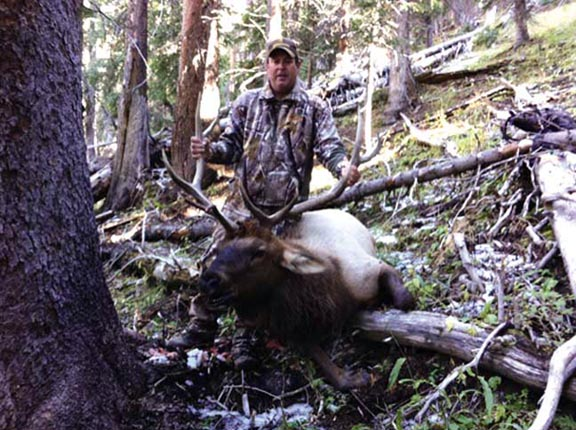 Ricky Manuel with his 5x5 bow kill. AIAIEEEGH!!!